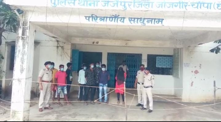 Sex racket: 8 youth and 1 woman arrested by police